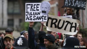 Supporters of Julian Assange picket court
