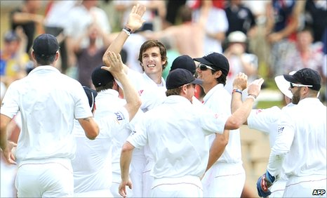 England celebrate with Steve Finn