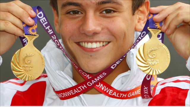 Tom Daley with his two Commonwealth gold medals