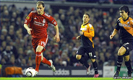 Milan Jovanovic (left) struck the crossbar with a Liverpool shot against FC Utrecht