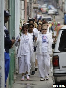 The Ladies in White, a group made up of family members of imprisoned dissidents, take part in a protest march in Havana December 10, 2010