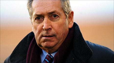 Aston Villa manager Gerard Houllier