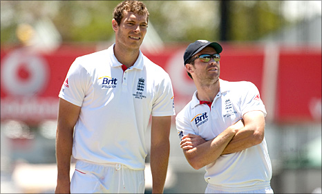 Chris Tremlett and James Anderson in Perth