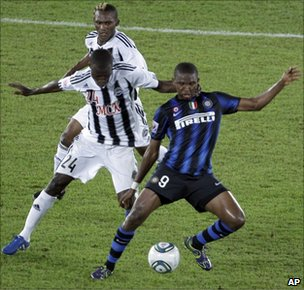 Inter Milan 9in blue) and TP Mazembe in Club World Cup final