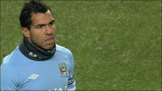 Tevez gets warm Man City ovation
