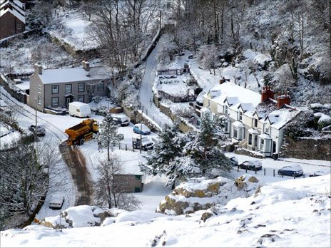 A gritting lorry clearing snow on the Great Orme, Llandudno Photo: Mike Lewis
