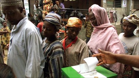 Nigerians line up to cast their votes during presidential polls in Lagos in 1999 after 15 years of military rule