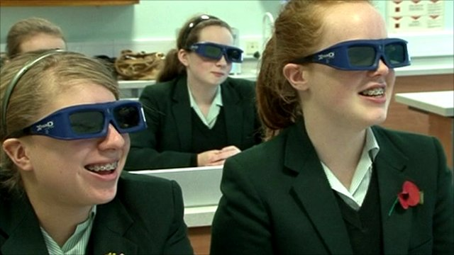 Pupils at the Abbey School in reading taking a biology class with 3D study aids