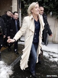 Marine Le Pen, France's far-right National Front vice-president and European deputy, arrives for the last stage of her campaign for the party's primary election in Henin Beaumont, 19 December 2010