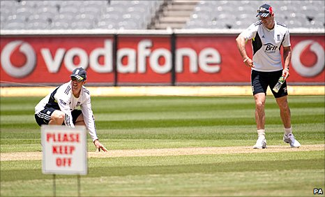 Graeme Swann and Andrew Strauss on the MCG pitch
