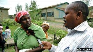 Rural health worker using Episurveyor