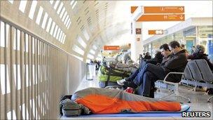 Stranded passengers at Charles de Gaulle airport, 24 December