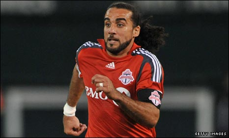Dwayne De Rosario in action for Toronto