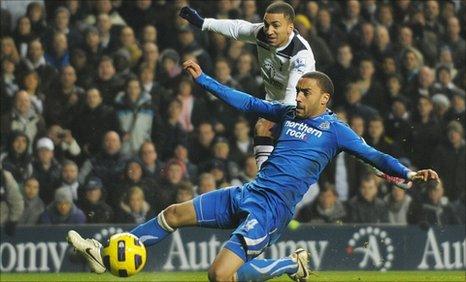 Aaron Lennon scores for Tottenham