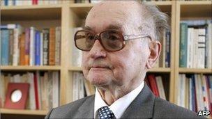 Gen Wojciech Jaruzelski, photographed in Paris in September 2009