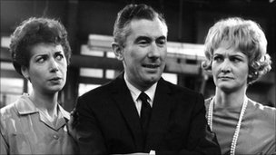 Sheila Hancock (r) with Miriam Karlin and Peter Jones
