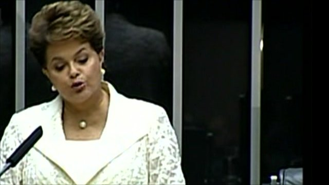 Dilma Rousseff addressing members of Brazil's Congress