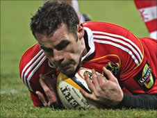 Barry Murphy goes over for Munster's third try