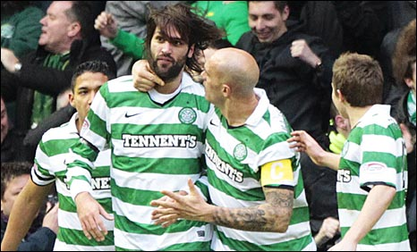 Celtic celebrate with scorer Georgios Samaras