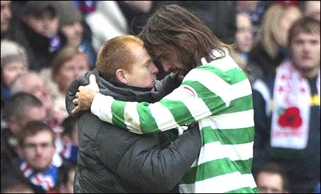 Neil Lennon celebrates with Georgios Samaras