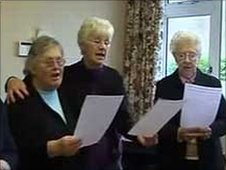 Golden Oldies ladies singing