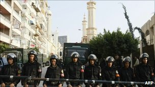 Egyptian riot police in Alexandria, 3 January