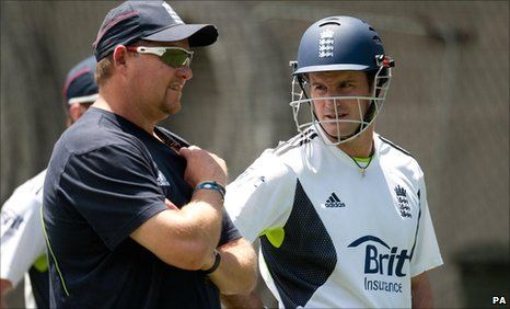 England bowling coach David Saker and captain Andrew Strauss
