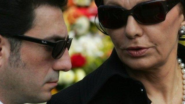 Alireza Pahlavi and his mother, Farah Pahlavi, in 2005