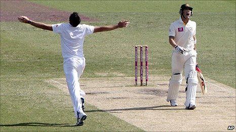 Michael Clarke is dismissed by James Anderson