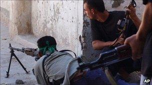 Sadrist militiamen in Najaf, Iraq (August 2004)
