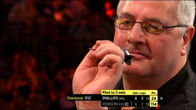 Martin Phillips pips Gary Robson in Lakeside tie-break