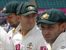 Ben Hilfenhaus, Michael Clarke and Phillip Hughes