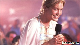 Cameron Diaz in My Best Friend's Wedding - her character is given a rousing round of applause at a karaoke bar despite, or because of, her tunelessness