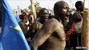 Southern Sudanese men rally for independence in Juba, 07/01