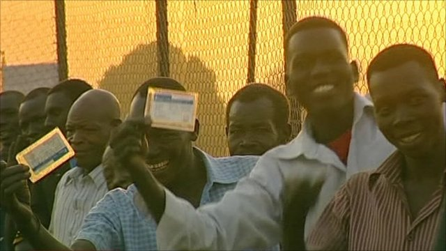 Voters in south Sudan wait to vote