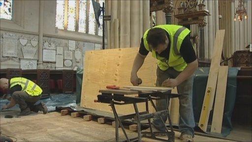 Workmen at Bath Abbey