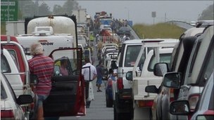traffic on the Bruce Highway, south of Caboolture, 11 January 2011