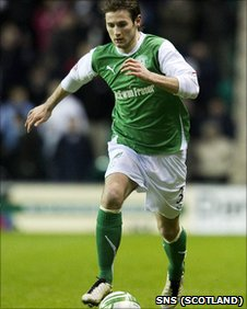 Jonathan Grounds in action for Hibs