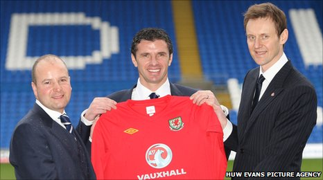 FAW chief executive Jonathan Ford, Wales manager Gary Speed and Vauxhall managing director Duncan Aldred