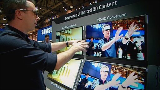 Spencer Kelly plays around with 3D TV