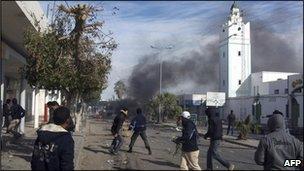 Protestors clash with police in Tunisia