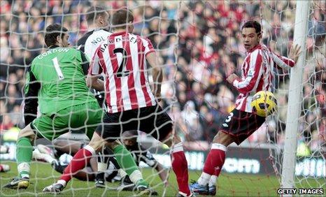 Kevin Nolan scores for Newcastle