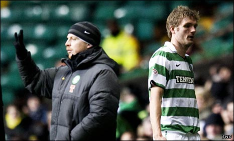 Celtic manager Neil Lennon hauls off Jos Hooiveld against Inverness
