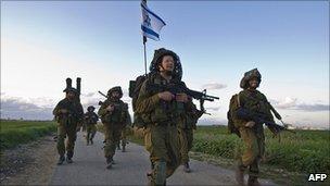Israeli soldiers leaving Gaza in 2009