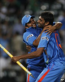 Munaf Patel (right) celebrates with fellow team member Suresh Raina after winning an ODI against South Africa
