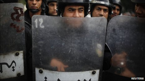 Tunisian riot police deployed in central Tunis. 19 Jan 2011