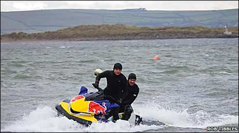 Andrew Cotton and Lyndon Wake in Ireland: photograph Rob Tibbles