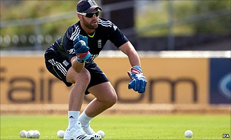 Matt Prior training in Hobart