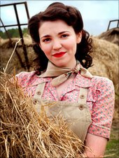 Selin Hizli as Connie Carter in Land Girls