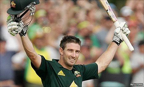 Shaun Marsh celebrates reaching three figures